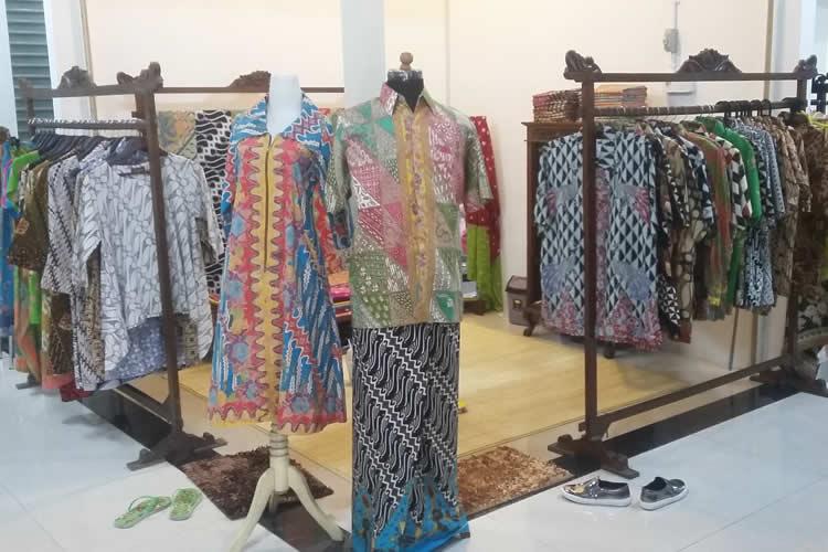 Update Tampilan Batik dengan Kreasi Batik Modern Kekinian