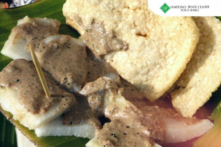 HTC_-_ilustrasi_artikel-maret-Cabuk_Rambak,_Kuliner_Tradisional_Terkenal_Dari_Kota_Solo