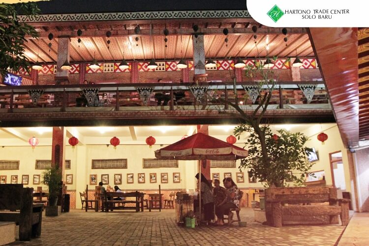 HTC_-_ilustrasi_artikel-maret-Wedangan_Paling_Asyik_Untuk_Nongkrong_di_Kota_Solo