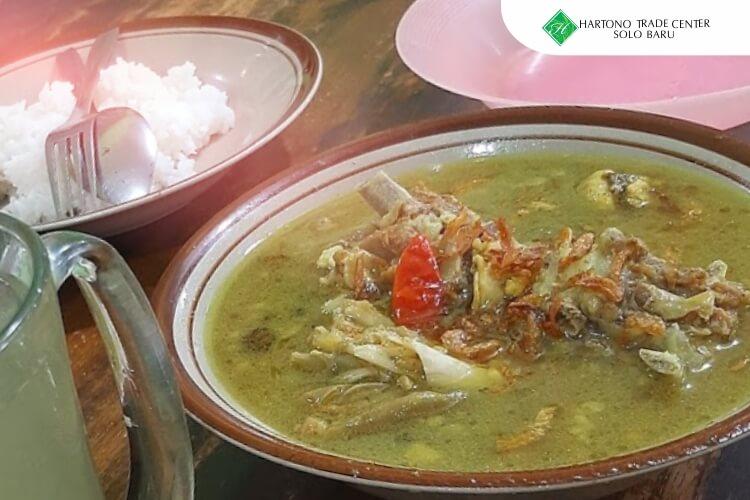 HTC_-_ilustrasi_artikel-agustus-Nikmat_dan_Segarnya_Tengkleng_Mbak_Diah_di_Tanjung_Anom_Sukoharjo